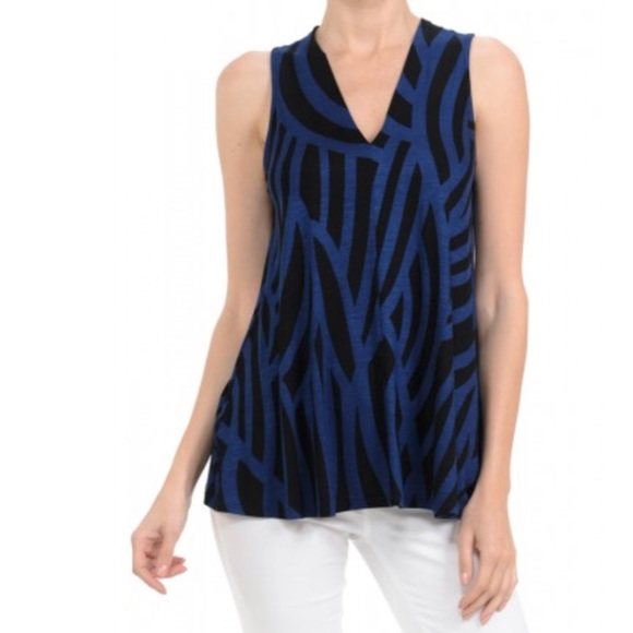 Hourglass Lilly Tops - Hourglass Lilly V Neck Tunic Top NWOT Med/Large